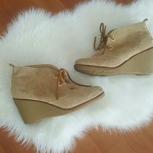 Sperry topsider brushed leather tan wedge booties